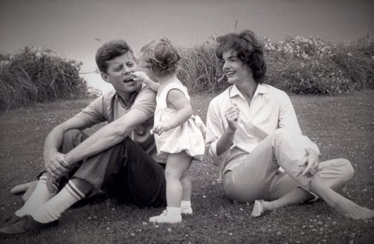 giving benefits the giver John F. Kennedy, wife Jacqueline and daughter Caroline Middle Class Dad