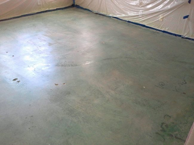 how to stain interior concrete floors Middle Class Dad 1st coat of blue stain