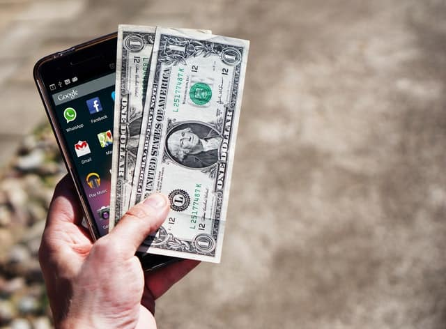 Middle Class Dad earn extra money on the side cell phone and cash