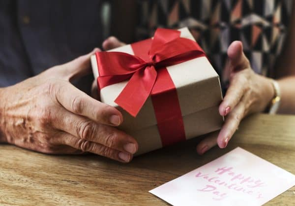gifts-for-dads-who-have-everything-gift-box-middle-class-dad